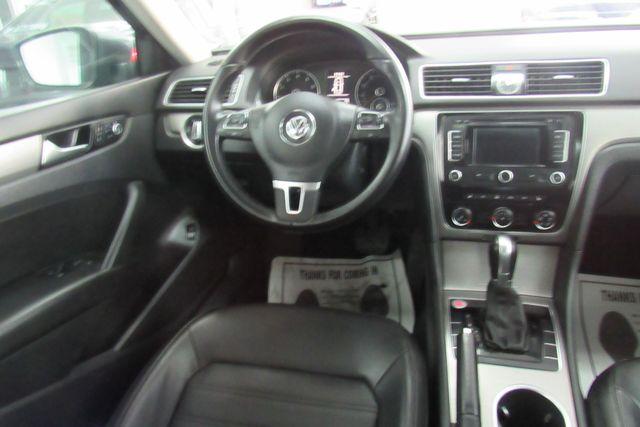 2015 Volkswagen Passat 1.8T SE w/Sunroof & Nav Chicago, Illinois 12