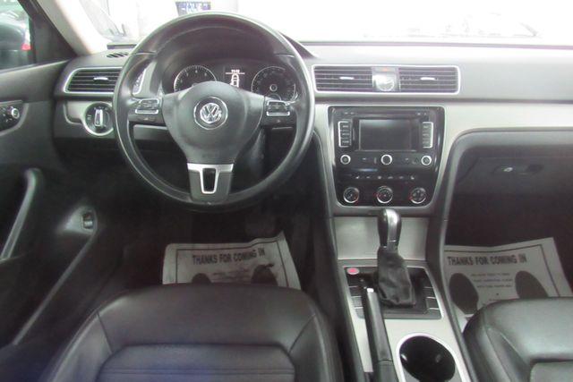 2015 Volkswagen Passat 1.8T SE w/Sunroof & Nav Chicago, Illinois 13