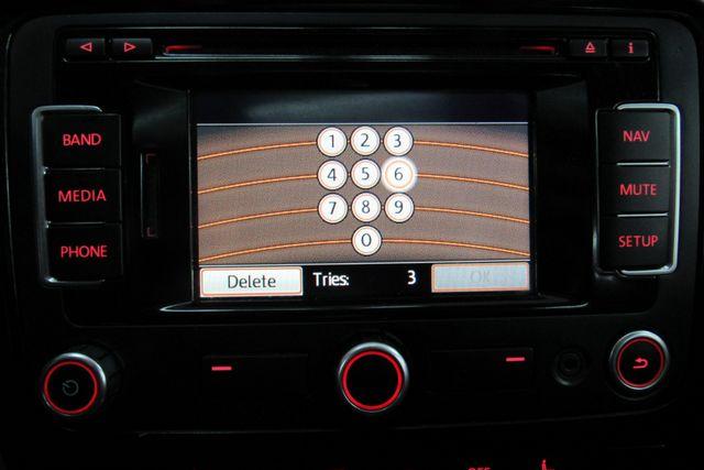 2015 Volkswagen Passat 1.8T SE w/Sunroof & Nav Chicago, Illinois 22