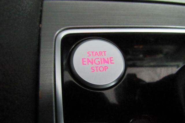 2015 Volkswagen Passat 1.8T SE w/Sunroof & Nav Chicago, Illinois 25