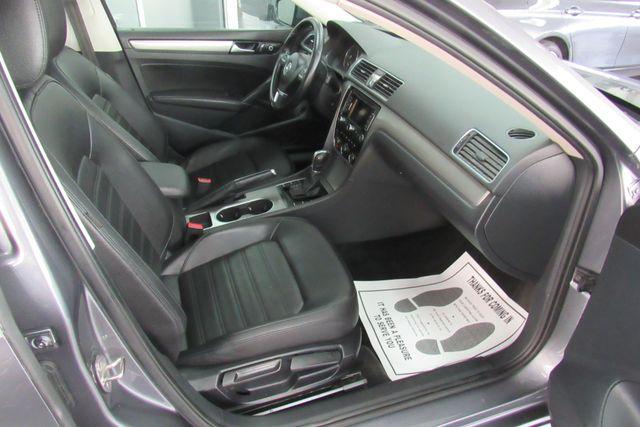 2015 Volkswagen Passat 1.8T SE w/Sunroof & Nav Chicago, Illinois 7