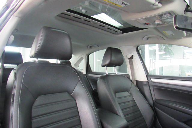 2015 Volkswagen Passat 1.8T SE w/Sunroof & Nav Chicago, Illinois 8