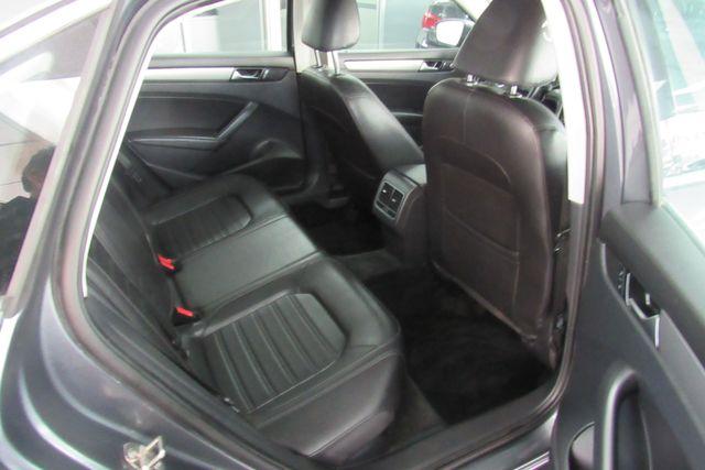 2015 Volkswagen Passat 1.8T SE w/Sunroof & Nav Chicago, Illinois 9