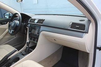 2015 Volkswagen Passat 1.8T Wolfsburg Ed Hollywood, Florida 22