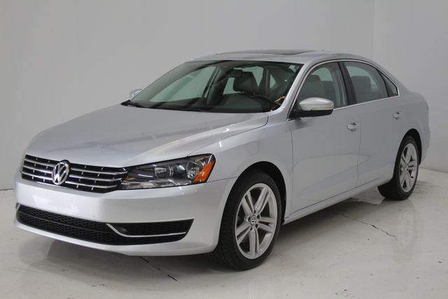 2015 Volkswagen Passat 2.0L TDI SE w/Sunroof Houston, Texas 1