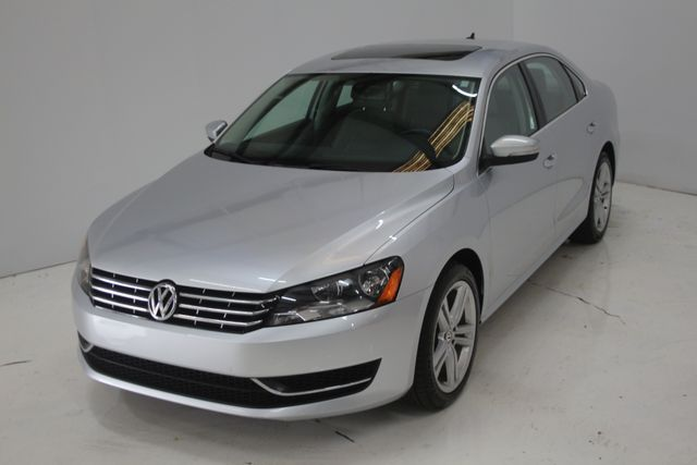 2015 Volkswagen Passat 2.0L TDI SE w/Sunroof Houston, Texas 2