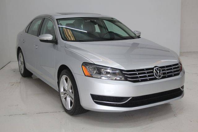 2015 Volkswagen Passat 2.0L TDI SE w/Sunroof Houston, Texas 3