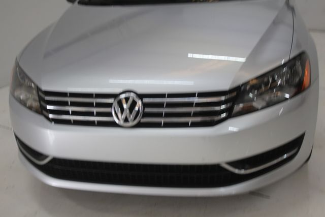 2015 Volkswagen Passat 2.0L TDI SE w/Sunroof Houston, Texas 4