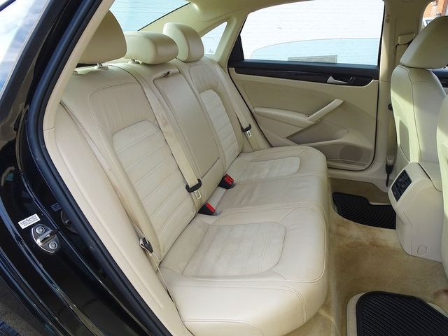 2015 Volkswagen Passat 2.0L TDI SEL Premium Madison, NC 32