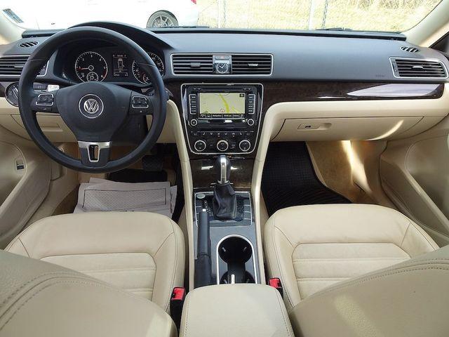 2015 Volkswagen Passat 2.0L TDI SEL Premium Madison, NC 33