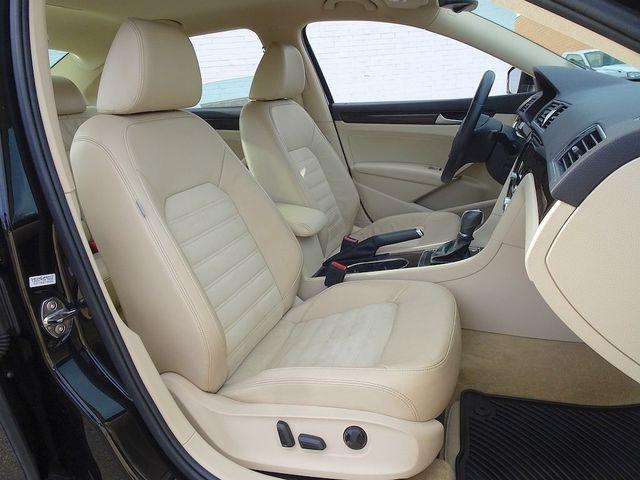 2015 Volkswagen Passat 2.0L TDI SEL Premium Madison, NC 38