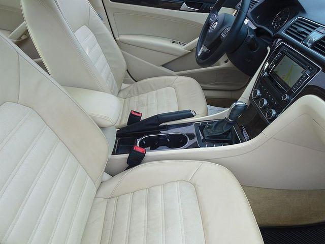2015 Volkswagen Passat 2.0L TDI SEL Premium Madison, NC 42