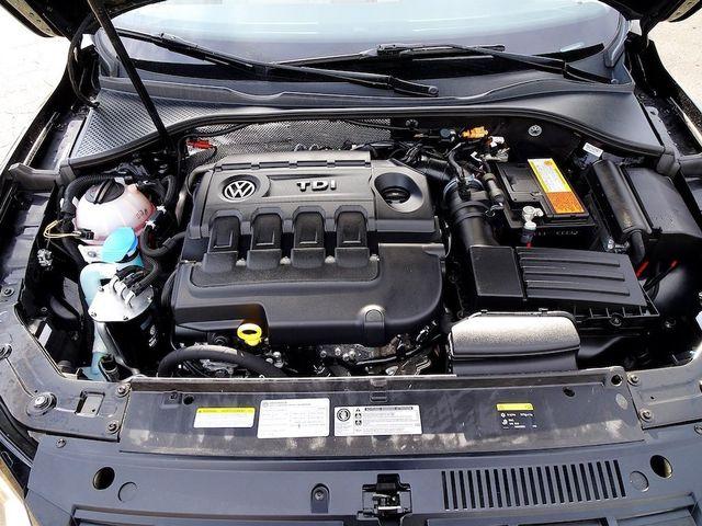 2015 Volkswagen Passat 2.0L TDI SEL Premium Madison, NC 44