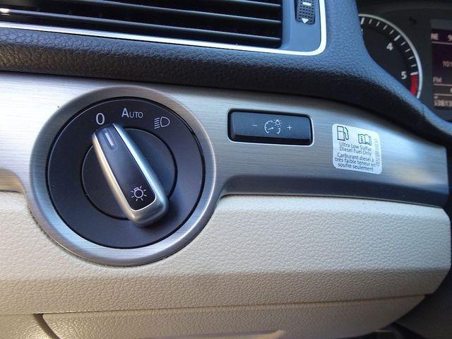 2015 Volkswagen Passat 2.0L TDI SE w/Sunroof Madison, NC 16