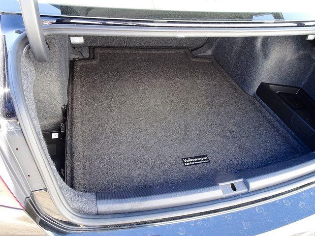 2015 Volkswagen Passat 2.0L TDI SE w/Sunroof & Nav Madison, NC 11