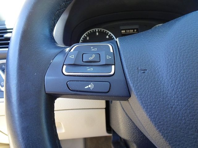 2015 Volkswagen Passat 2.0L TDI SE w/Sunroof & Nav Madison, NC 16