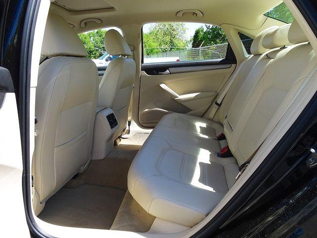 2015 Volkswagen Passat 2.0L TDI SE w/Sunroof & Nav Madison, NC 31