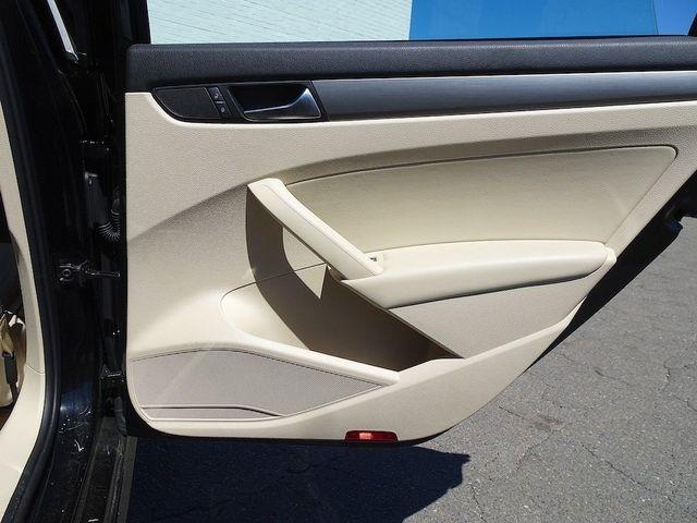 2015 Volkswagen Passat 2.0L TDI SE w/Sunroof & Nav Madison, NC 33