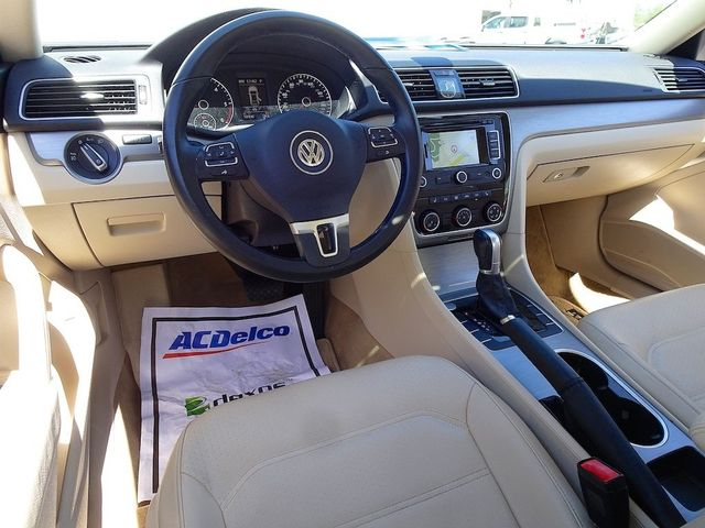 2015 Volkswagen Passat 2.0L TDI SE w/Sunroof & Nav Madison, NC 37