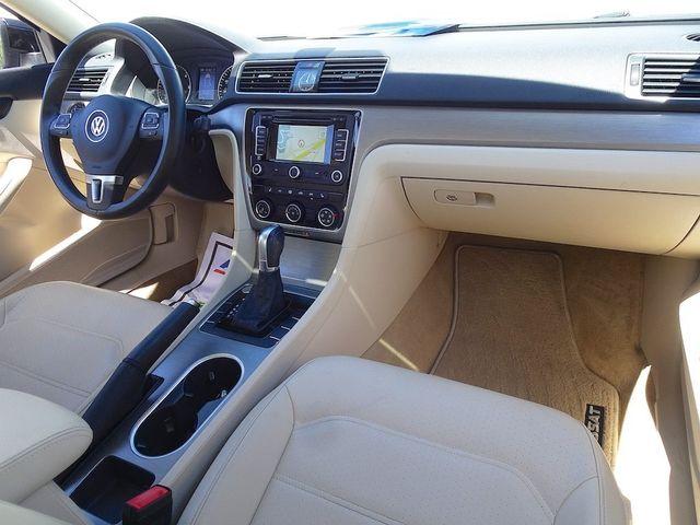 2015 Volkswagen Passat 2.0L TDI SE w/Sunroof & Nav Madison, NC 38