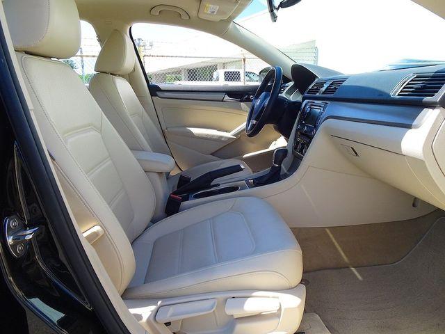 2015 Volkswagen Passat 2.0L TDI SE w/Sunroof & Nav Madison, NC 40