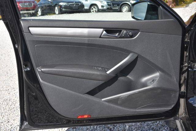 2015 Volkswagen Passat 1.8T S Naugatuck, Connecticut 16