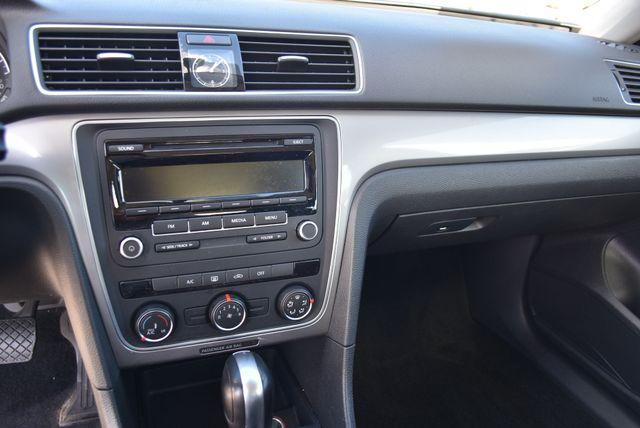 2015 Volkswagen Passat 1.8T S Naugatuck, Connecticut 19
