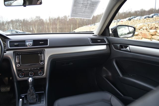 2015 Volkswagen Passat 1.8T Limited Edition Naugatuck, Connecticut 17