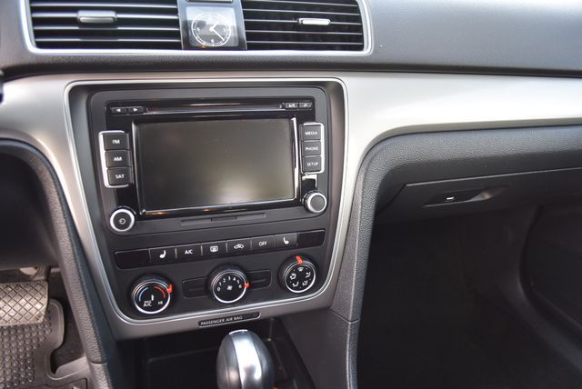 2015 Volkswagen Passat 1.8T Limited Edition Naugatuck, Connecticut 21