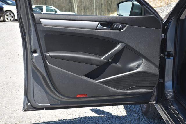2015 Volkswagen Passat 1.8T Wolfsburg Ed Naugatuck, Connecticut 18