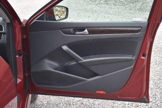 2015 Volkswagen Passat 2.0L TDI SEL Premium Naugatuck, Connecticut 9