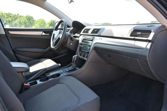 2015 Volkswagen Passat 1.8T S Naugatuck, Connecticut 8