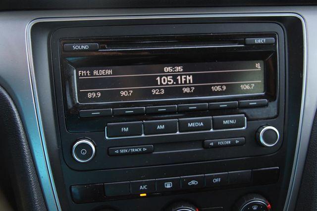 2015 Volkswagen Passat 1.8T S Santa Clarita, CA 18