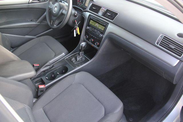 2015 Volkswagen Passat 1.8T S Santa Clarita, CA 9