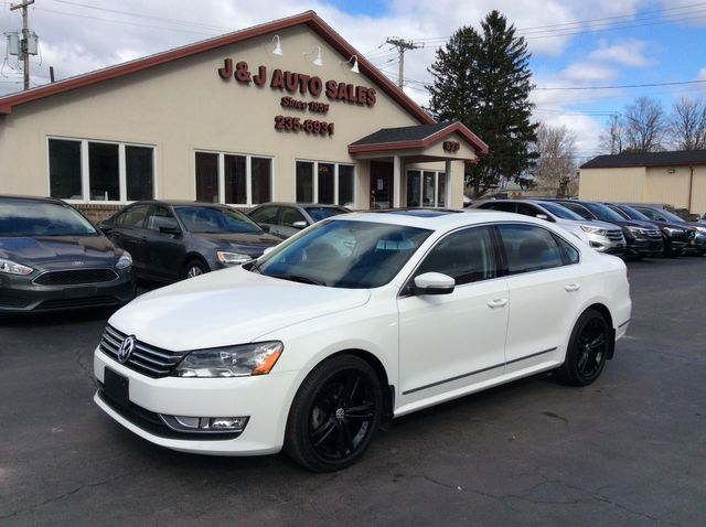 2015 Volkswagen Passat 1.8T SE w/Sunroof &38; Nav in Troy, NY 12182