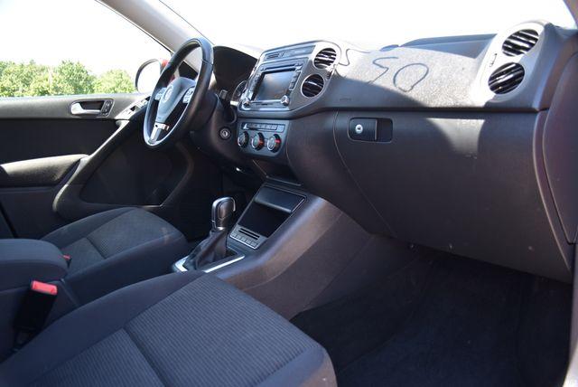 2015 Volkswagen Tiguan S Naugatuck, Connecticut 9