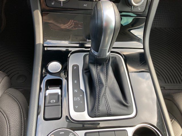 2015 Volkswagen Touareg Sport w/Technology in Boerne, Texas 78006