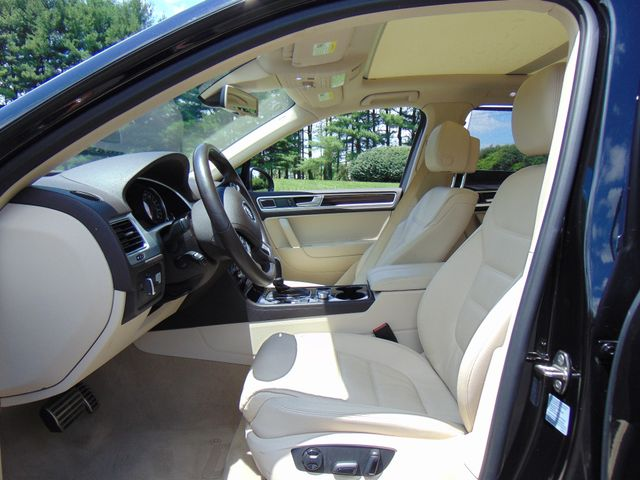 2015 Volkswagen Touareg Executive Leesburg, Virginia 12