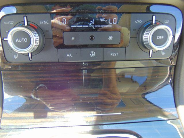 2015 Volkswagen Touareg Executive Leesburg, Virginia 30