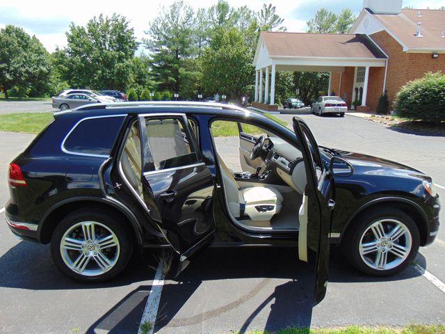 2015 Volkswagen Touareg Executive Leesburg, Virginia 8