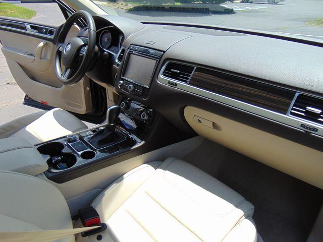 2015 Volkswagen Touareg Executive Leesburg, Virginia 38
