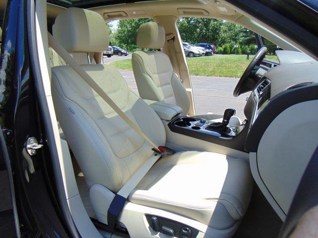 2015 Volkswagen Touareg Executive Leesburg, Virginia 40