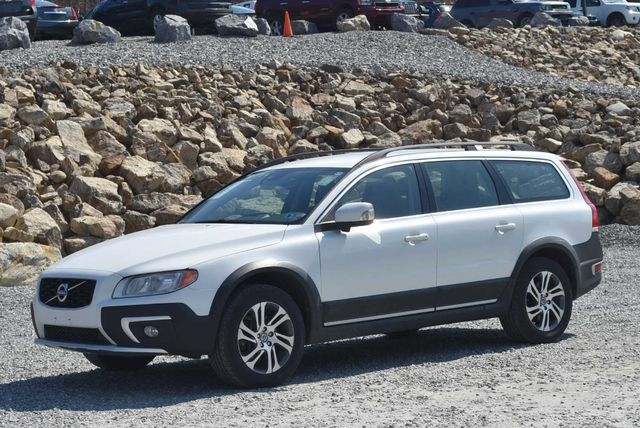 2015 Volvo XC70 3.2L Naugatuck, Connecticut