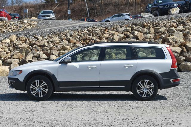 2015 Volvo XC70 3.2L Naugatuck, Connecticut 1