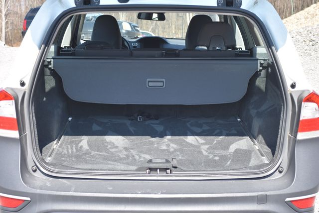 2015 Volvo XC70 3.2L Naugatuck, Connecticut 10
