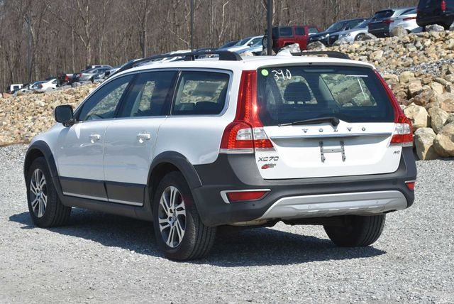 2015 Volvo XC70 3.2L Naugatuck, Connecticut 2