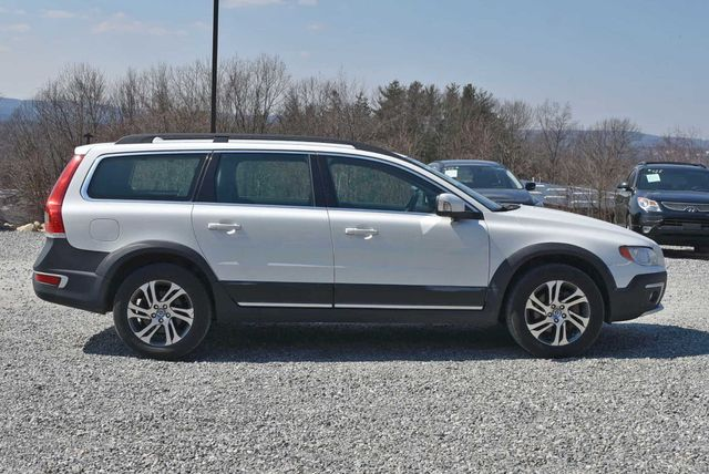 2015 Volvo XC70 3.2L Naugatuck, Connecticut 5