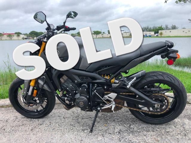 2015 Yamaha FZ-09 in Dania Beach , Florida 33004