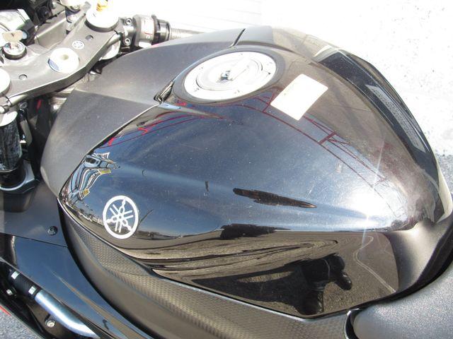2015 Yamaha YZF R6 in Dania Beach Florida, 33004