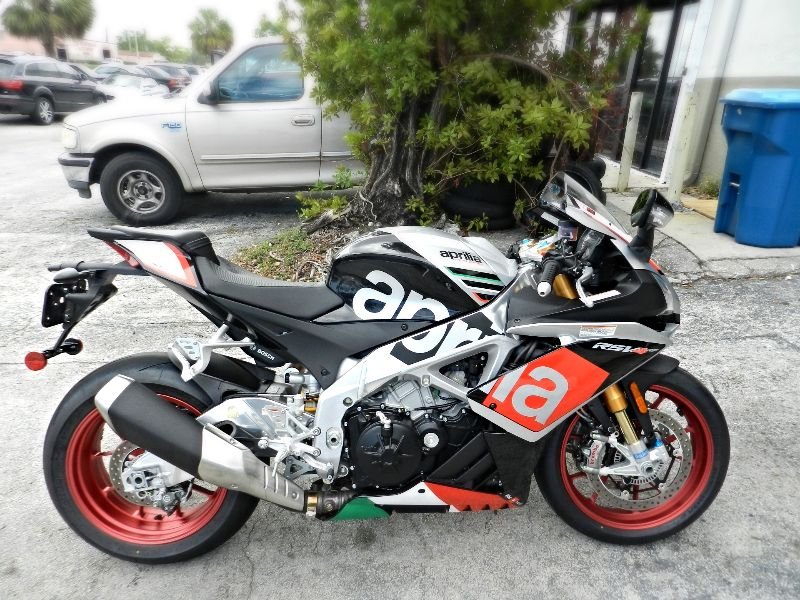 2016 Aprilia RSV4 RF RSV4RF FACTORY WARRANTY LIKE NEW SAVE   city Florida  MC Cycles  in Hollywood, Florida